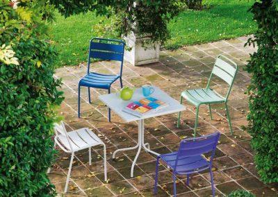 sedia-twist-della-linea-vermobil-in-acciaio-da-giardino
