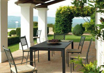 tavolo-allungabile-180-cm-montana-di-vermobil-in-acciaio-zincato-per-esterno