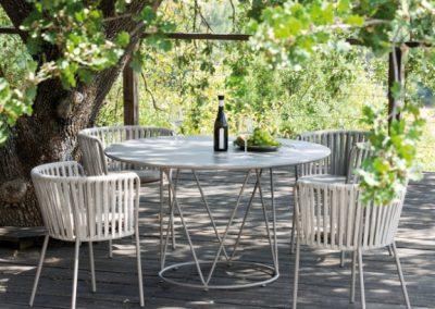 tavolo-desiree-de1300-di-vermobil-tondo-da-giardino
