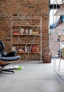Librerie per il soggiorno; materiali, misure e colori dei ...