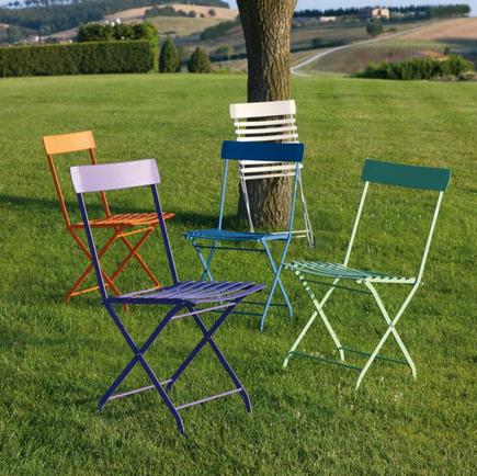 Sedie da esterno: 10 soluzioni pratiche e di tendenza