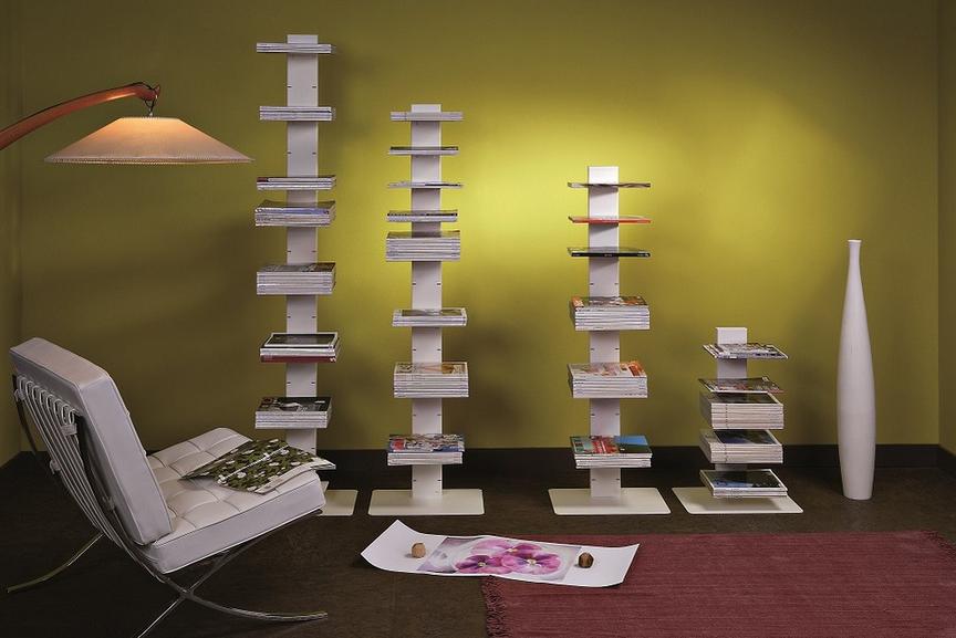 Dividere il soggiorno dalla camera con mobili su misura a ...